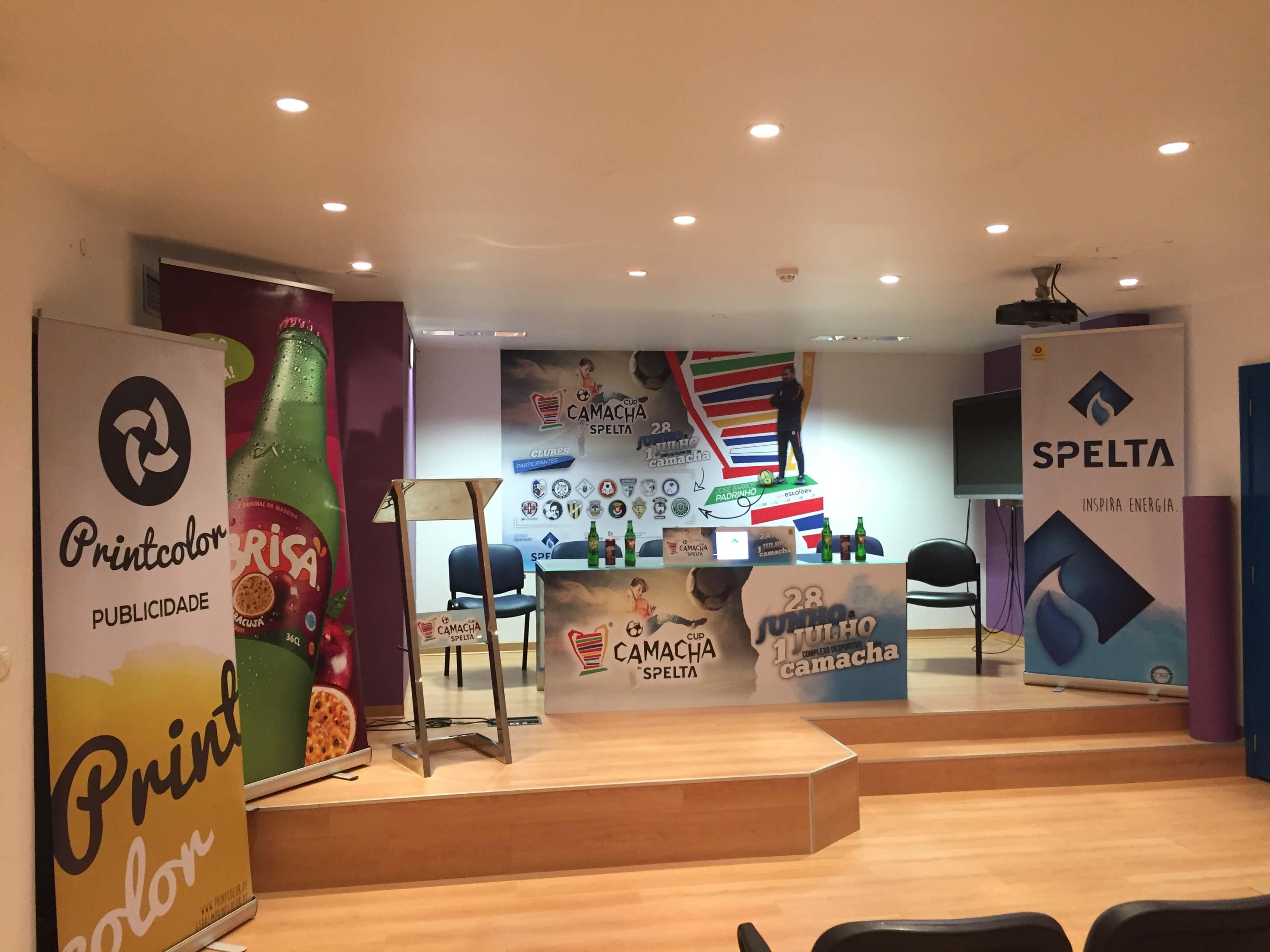 rol-ups apresentação de evento publicidade de patrocinadores